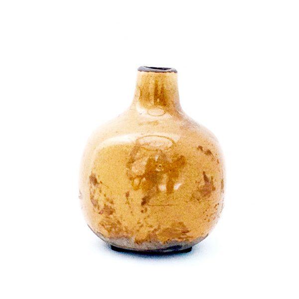 petit-vase-vintage-moutarde-simple-decoration-mamaisondartistes-insolite-paris