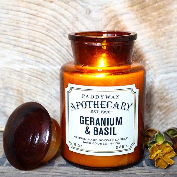 bougies-geranium-basilic-allumée-mamaisonartistes-decoration-interieur