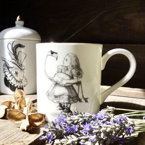 mug-alice-aux-pays-des-merveilles-en-porcelaine-