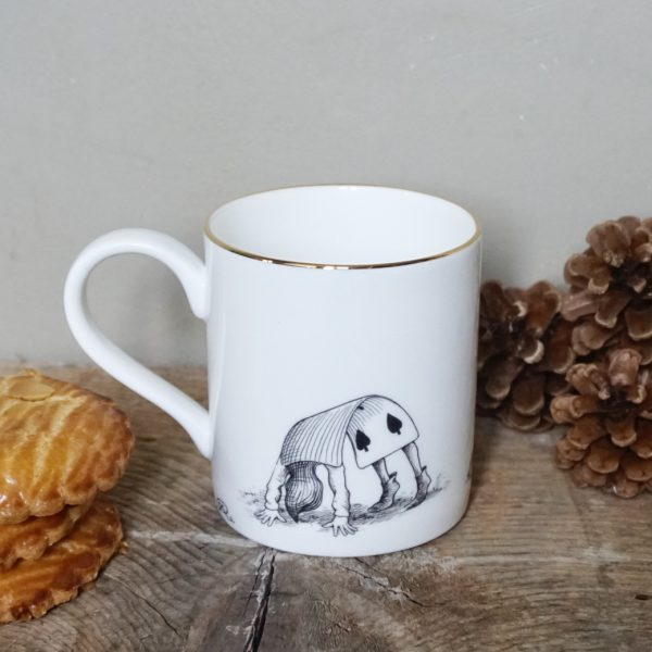 ug-tasse-alice-dos-porcelaine-rory-dobner-decoration-art-artiste